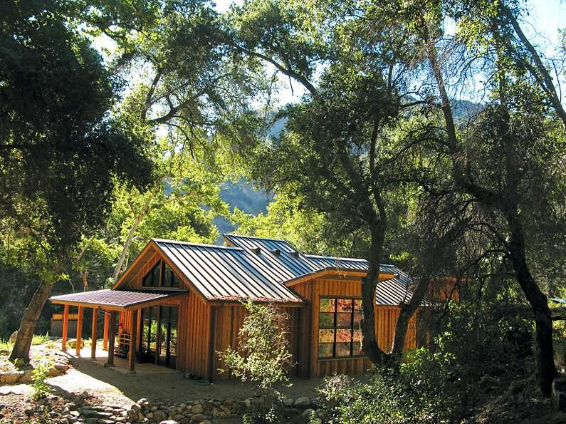 The new Japanese-style retreat center replaces a tent yurt. The Retreat Hall offers guests a sere