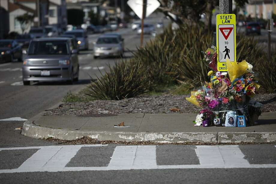 A memorial honors Hanren Chang, a Lowell High student who died trying to cross Sloat Boulevard at Forest View Drive. Photo: Lea Suzuki, The Chronicle