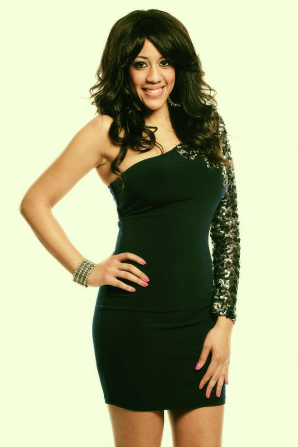 AMERICAN IDOL: TOP 20:  Tenna Torres. CR: Michael Becker / FOX. Copyright / FOX.
