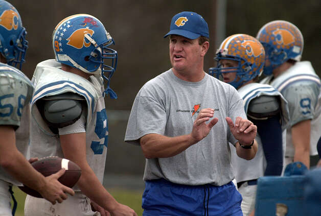 SPORTS - Blanco High School head football coach Brian Emerson (center) will be guiding his team to a possible state championship when they face Van Alstyne for the Class 2A Division I title on Saturday. Kin Man Hui/staff. Photo: KIN MAN HUI, SAN ANTONIO EXPRESS-NEWS / SAN ANTONIO EXPRESS-NEWS