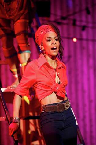 Michelle Williams in FELA photo by Carol Rosegg