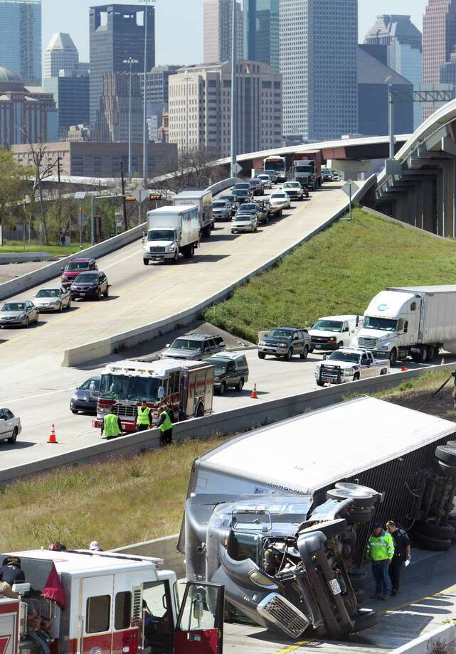 Houston traffic will decrease in 2013.  Photo: Cody Duty, Houston Chronicle / © 2013  Houston Chronicle