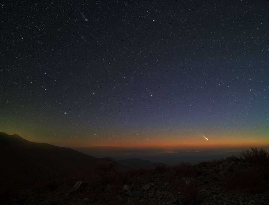 The Pan-STARRS comet has been visible for weeks in the Southern Hemisphere, as shown in this photograph taken as dusk falls over the Atacama desert in Chile. Photo: Yuri Beletsky Of The European So / Yuri Beletsky of the European So