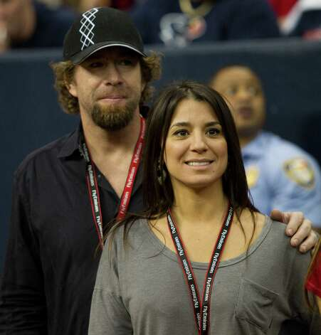 Rachel Brown has been linked to former Houston Astro Jeff Bagwell. The two attended a Texans game in 2011. Photo: Brett Coomer, Houston Chronicle / © 2011  Houston Chronicle