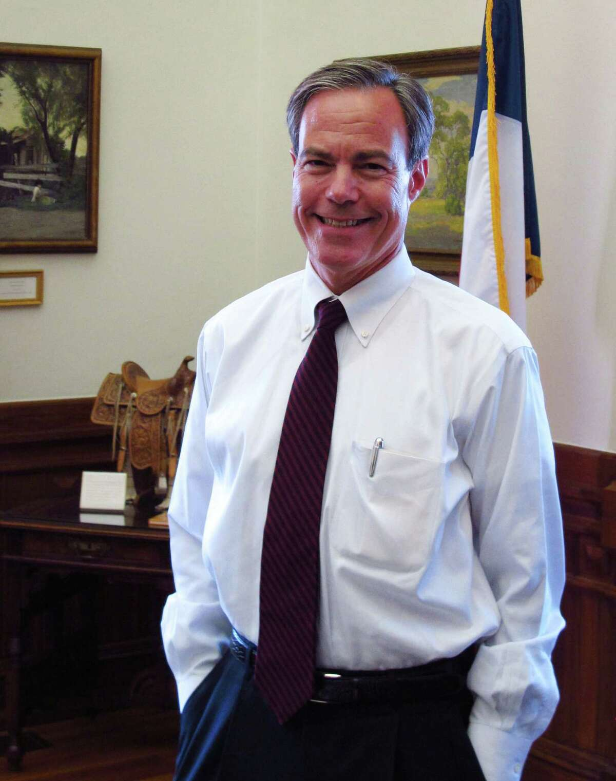 """House Speaker Joe Straus urges fellow Republicans to """"get our heads out of the sand."""""""
