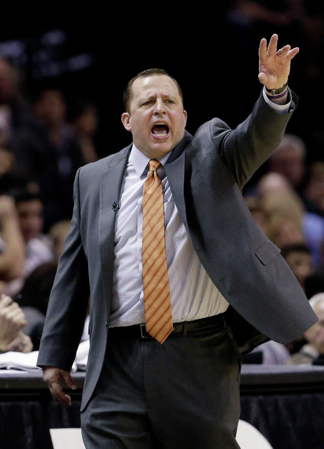 Chicago Bulls coach Tom Thibodeau calls out to his players during the second half of an NBA basketball game against the San Antonio Spurs, Wednesday, March 6, 2013, in San Antonio. San Antonio won 101-83. Photo: Eric Gay, Associated Press / AP