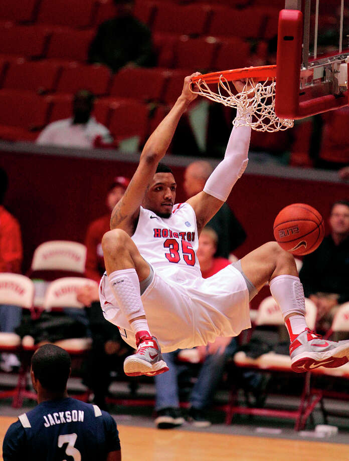 TaShawn Thomas and the Coogs will play host to the Longhorns on Wednesday night. Photo: Billy Smith II, Houston Chronicle / © 2013 Houston Chronicle