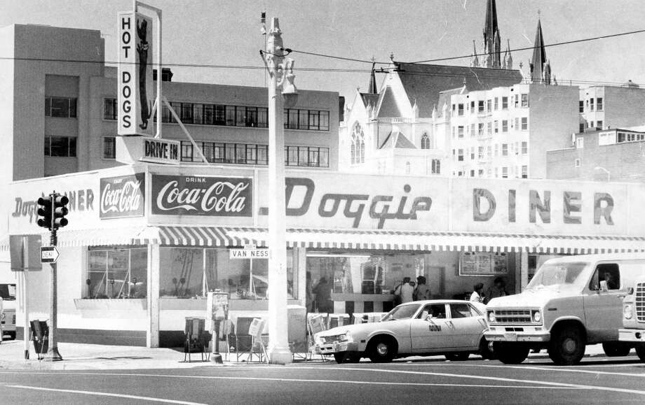 DOGGIE DINER: How many of you were thinking But where is Doggie Diner? We didn't forget. This is the Van Ness location, one of several throughout the city. Not saying it would be everyone's first choice after a night at the opera, but it was nice to have the option. Pictured in 1978. Photo: Susan Ehemer, The Chronicle / ONLINE_YES