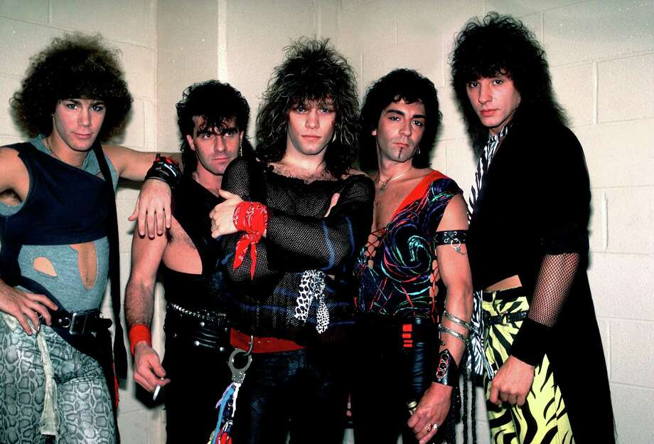 Bon Jovi backstage before a performance at the Rosemont Horizon, Rosemont, Illinois in 1984. Pictured are, from left, David Bryan, Tico Torres, Jon Bon Jovi, Alec John Such, and Richie Sambora. Photo: Paul Natkin, Getty Images / Archive Photos