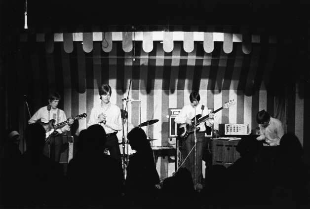 "David Bowie (second from left) performs with his band ""The Buzz"" at the Marquee Club in April 1966 in London. Photo: Michael Ochs Archives, Getty Images / Michael Ochs Archives"