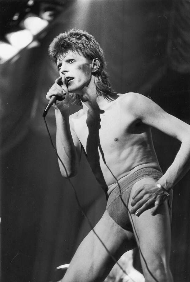 "British rock singer and actor David Bowie performing as ""Ziggy Stardust,"" in 1973. Photo: Hulton Archive, Getty Images / Archive Photos"