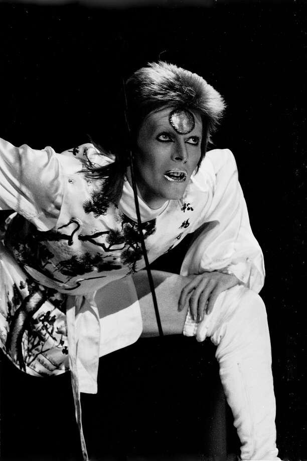 David Bowie performs live on stage at Earls Court Arena in 1973 during the Ziggy Stardust tour. Photo: Gijsbert Hanekroot, Getty Images / 1973 Gijsbert Hanekroot