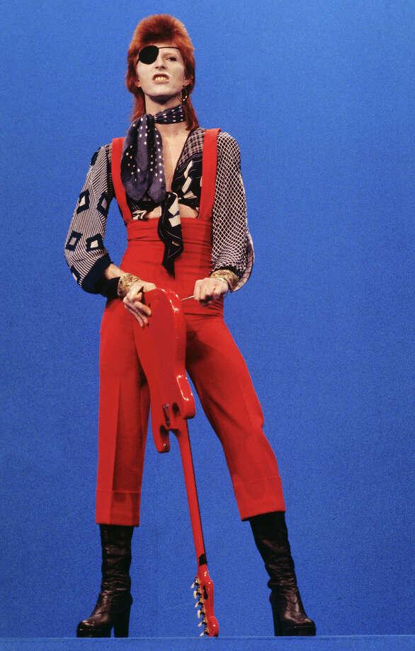 """David Bowie performs """"Rebel Rebel"""" on the TV show TopPop in 1974 in the Netherlands. Photo: Gijsbert Hanekroot, Getty Images / 1974 Gijsbert Hanekroot"""