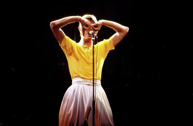 David Bowie performing live onstage on Low/Heroes 1978 World Tour. Photo: Richard E. Aaron, Getty Images / Redferns