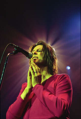 David BOWIE; performing live onstage on 'Hours...' promotional tour,  in 1999. Photo: Nicky J. Sims, Getty Images / Redferns