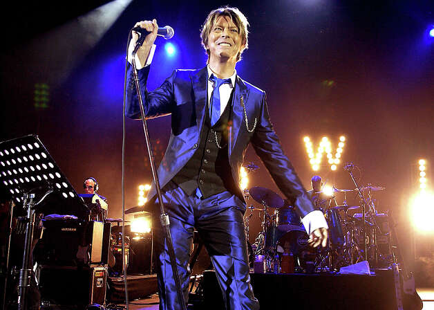 Pop legend David Bowie In Concert, At The Hammersmith Appollo, In London. Photo: Dave Benett, Getty Images / Hulton Archive