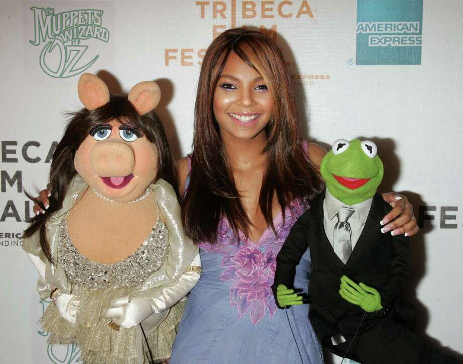 "Here are Miss Piggy, Ashanti and Kermit at the premiere of ""The Muppets' Wizard of Oz"" Tribeca Performing Arts Center in New York, in 2005. Photo: Jim Spellman, WireImage / WireImage"