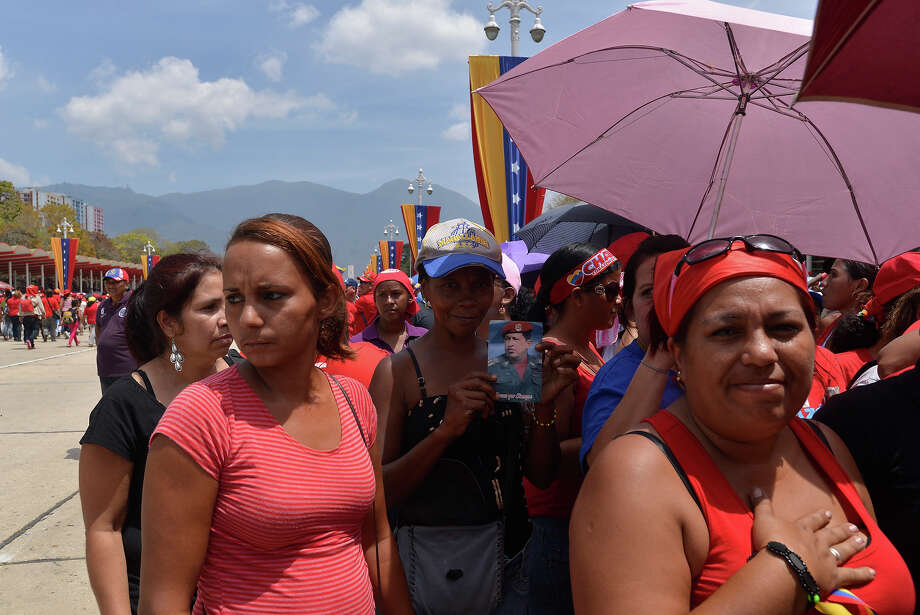 People make long lines hoping to access the chapel where body of President Hugo Chavez remains on March 07, 2013 in Caracas, Venezuela. Photo: LatinContent/STR, LatinContent/Getty Images / 2013 Latin Content