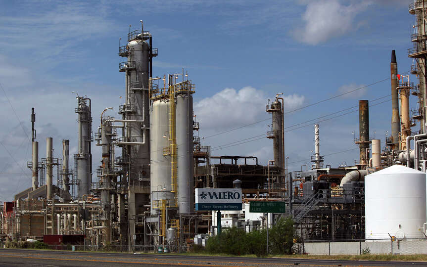 The Valero Three Rivers Refinery in Three Rivers, Texas between San Antonio and Corpus Christi refin