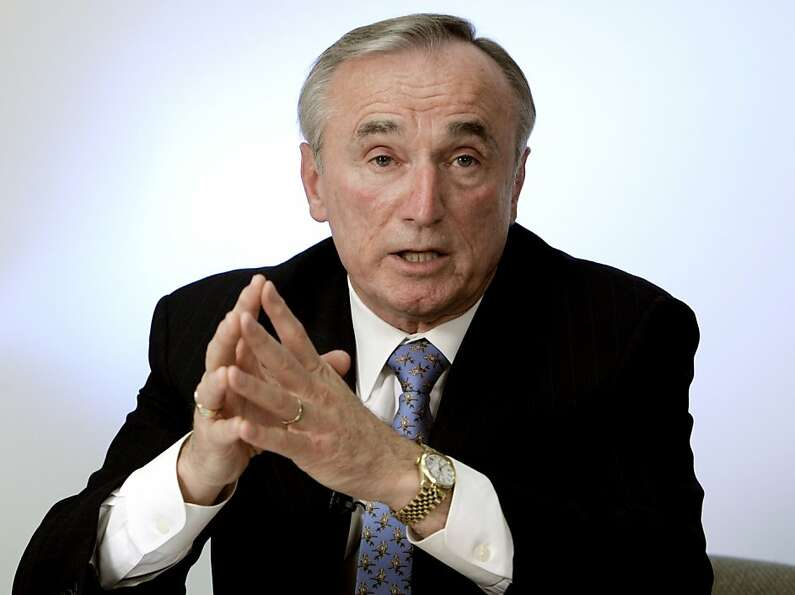 William Bratton formerly led the New York and L.A. police departments.