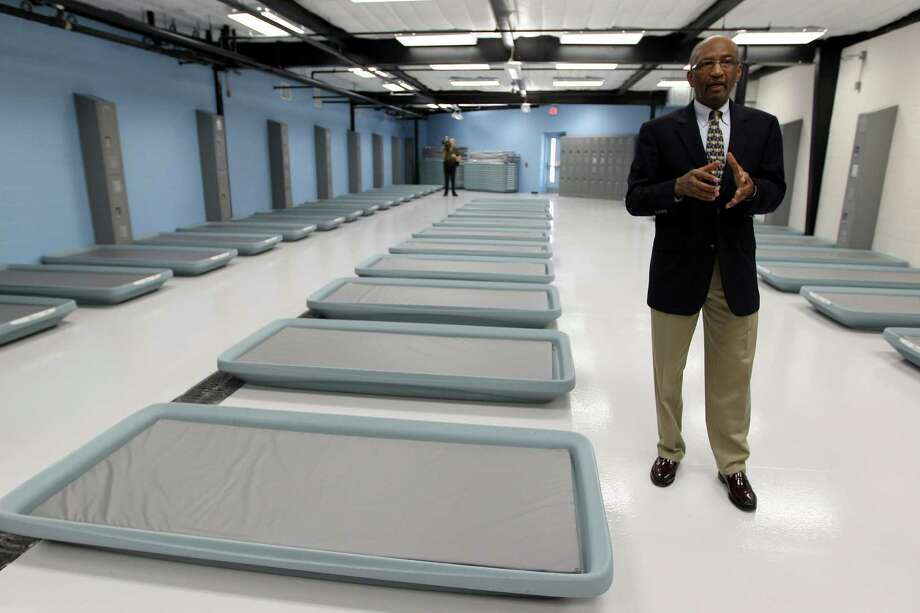 "Leonard Kincaid, director of the Houston Center for Sobriety, gives a tour of the new men's facility in the ""sobering center."" Photo: Karen Warren, Staff / © 2013 Houston Chronicle"