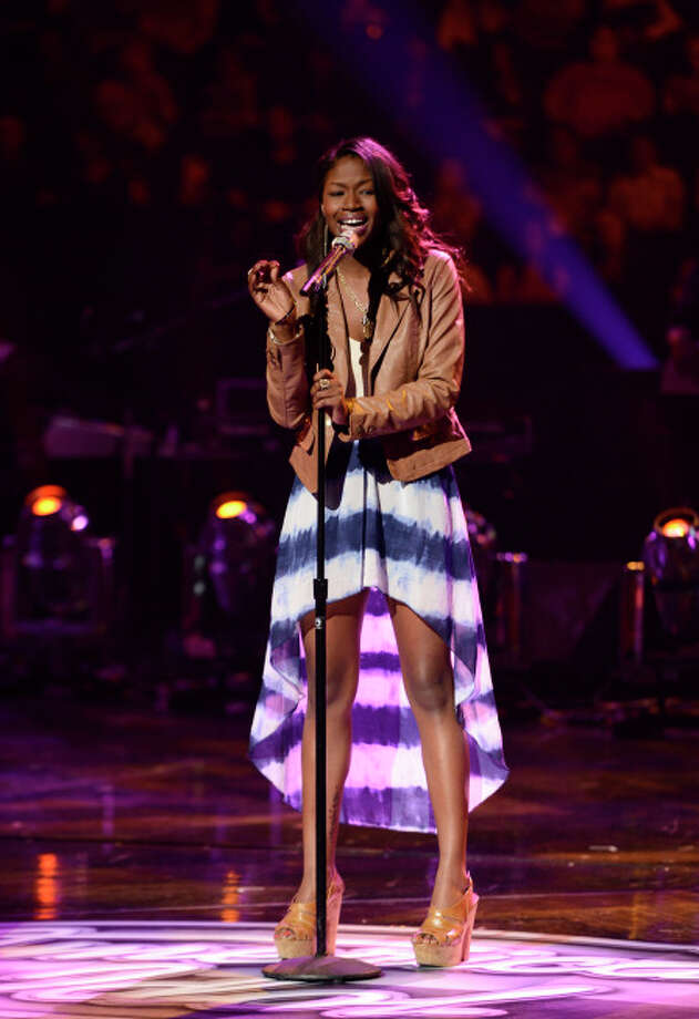 AMERICAN IDOL: Amber Holcomb performs in front of the judges on AMERICAN IDOL airing live Tuesday, March 5 (8:00-10:00PM ET/PT) on FOX. CR: Michael Becker / FOX. Copyright / FOX.