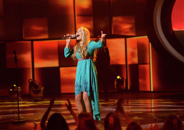 AMERICAN IDOL: Janelle Arthur makes it to the final 10 on AMERICAN IDOL airing Thursday, March 7 (8:00-9:30 PM ET/PT) on FOX. CR: Michael Becker / FOX. Copyright: FOX.