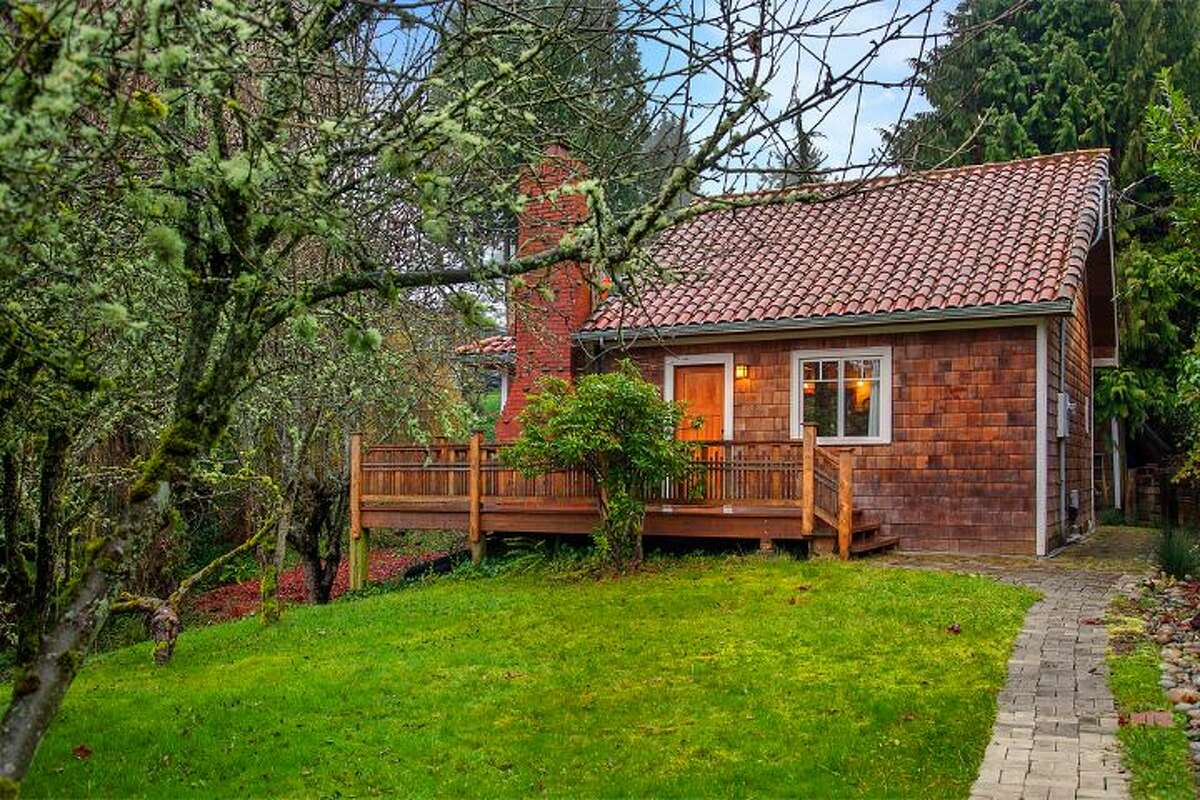 Want to get away from it all without leaving Seattle? Check out this secluded cottage in Cedar Park, at 14036 38th Ave. N.E. The 1,590-square-foot home, built in 1999, has one bedroom, one bathroom, exposed wood beams and ceilings, a finished daylight basement, a front porch, a wrap-around deck, a balcony, a patio and views of Lake Washington and the Cascades on a 10,225-square-foot lot. It's being sold with three other vacant view lots and is listed for $1.08 million.