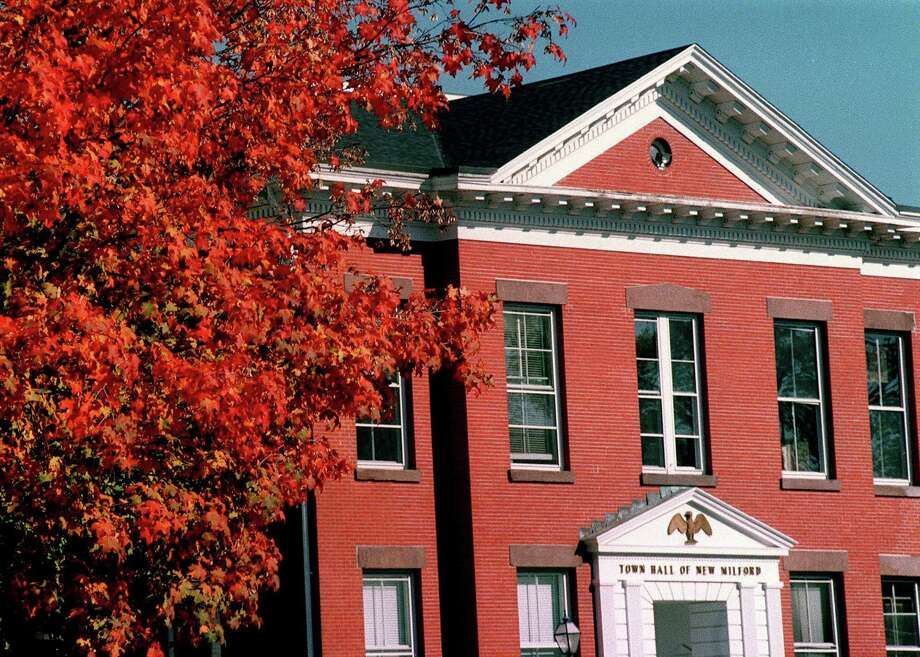 New Milford Town Hall, circa 2002 Photo: Norm Cummings, Norm Cummings/Spectrum / The News-Times