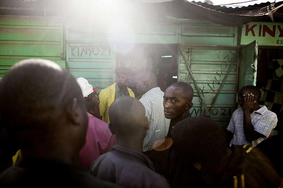 People await election returns in Kikuyu, Kenya, one day before the election commission posted results showing that Deputy Prime Minister Uhuru Kenyatta won the presidential race. Photo: Pete Muller, New York Times