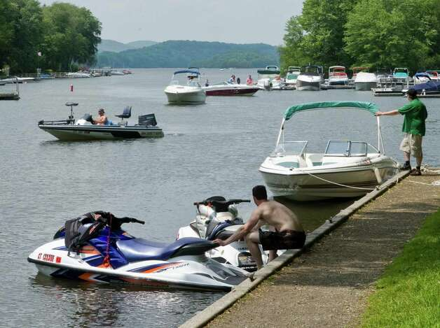 The Lattins Cove on Candlewood Lake in Danbury, in this file photo from May 2011.11 Photo: Scott Mullin, ST / The News-Times Freelance