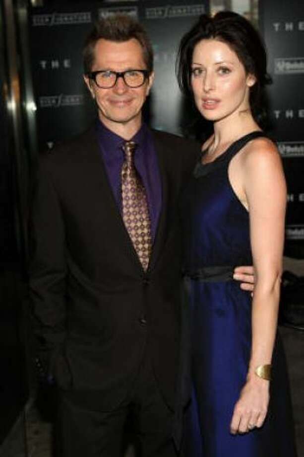 Gary Oldman and Donya Fiorentino:Kids' names: Gulliver Flynn and Charlie John. (Oldman also father to a son named Alfie.)