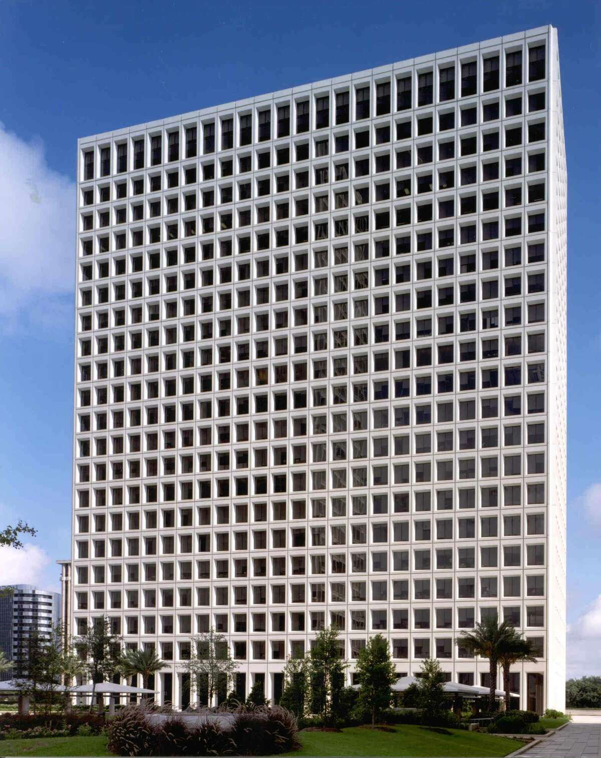 The fourth quarter marked a 20-year record for office leasing in the Houston area, according to commercial real estate firm JLL. The company listed Occidental Petroleum's 46,096-square-foot lease in Greenway Plaza among notable transactions.