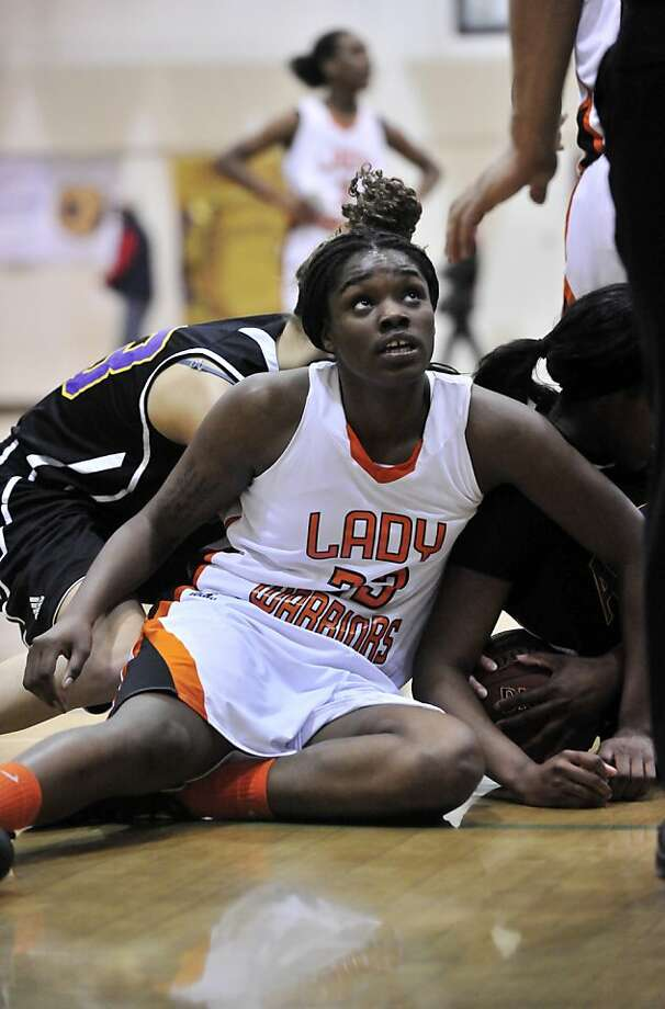 Senior Breannie Robinson helps care for her ailing mother. Photo: Eric Taylor, MaxPreps.com