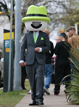 """Mr. Arlo"" walks along E. 5th Street during South by Southwest Friday March 8, 2013 in Austin, TX. Photo: Edward A. Ornelas, San Antonio Express-News / © 2013 San Antonio Express-News"