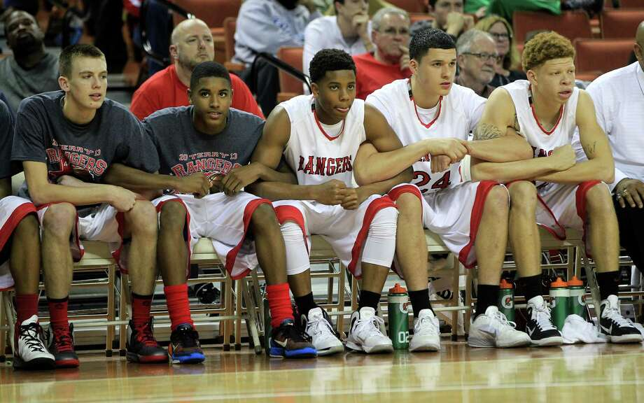 Rosenberg Terry's bench preps themselves during the final few seconds during the second half. Photo: Karen Warren, Houston Chronicle / © 2013 Houston Chronicle