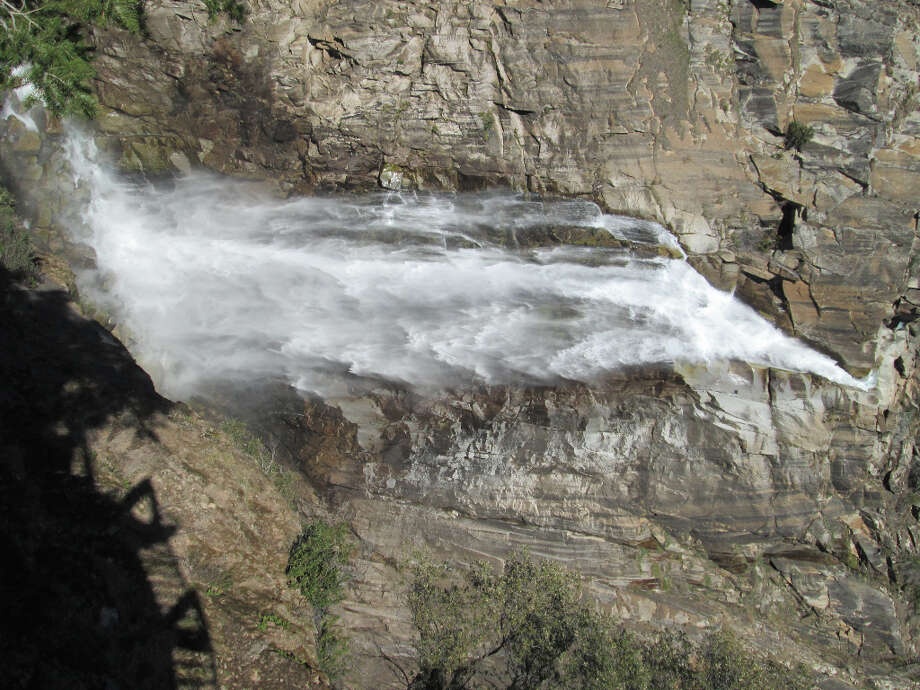 Feather Falls is 410 feet, verified with laser GPS, not 640 feet as listed on the old Forest Service info sheets