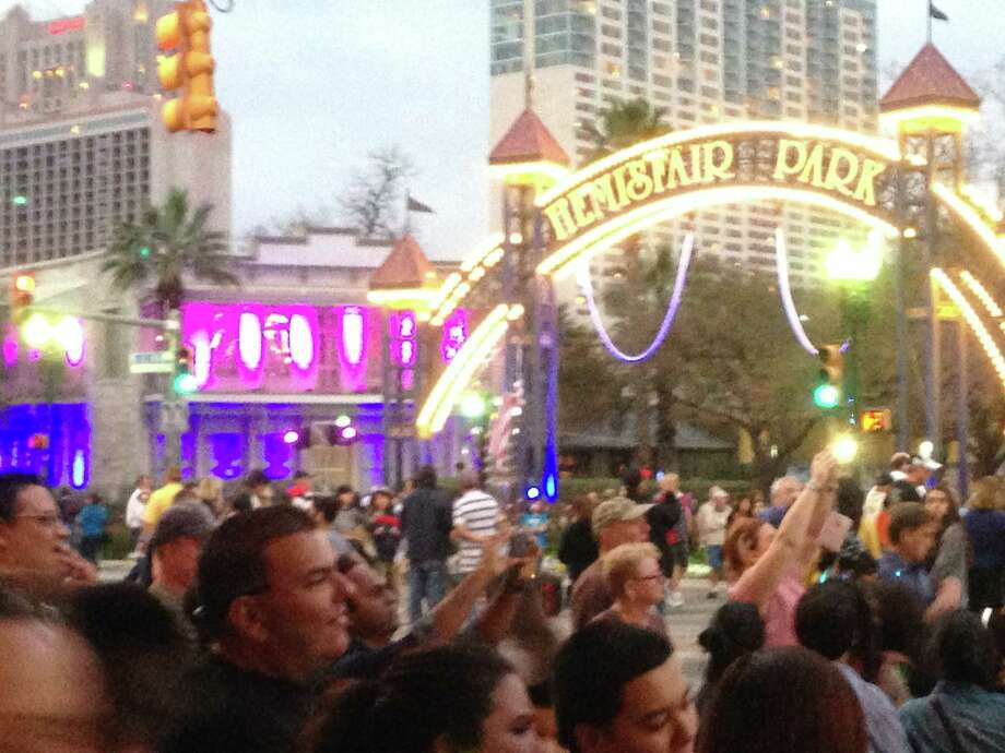 Crowd at Luminaria on Saturday, March 9, 2013. Photo: Emily Spicer / San Antonio Express-News