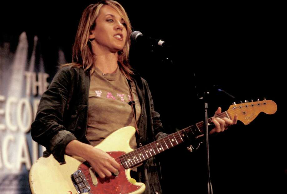 2003: Liz Phair performing. Photo: Ebet Roberts, Redferns / Redferns