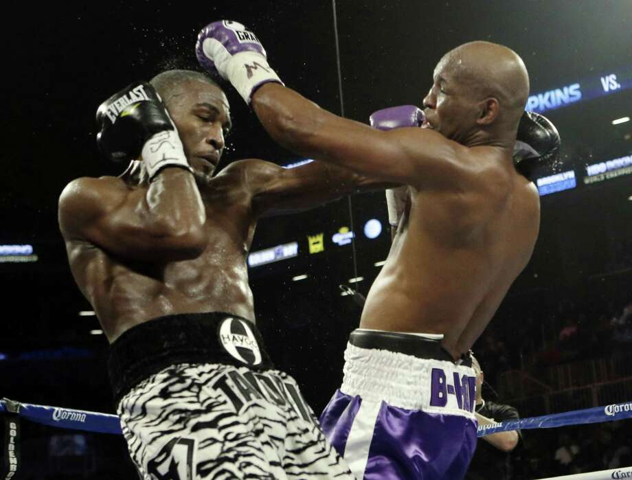 Bernard Hopkins (right) hits Tavoris Cloud during the fifth round of an IBF light heavyweight championship match won by Hopkins. Photo: Frank Franklin II / Associated Press
