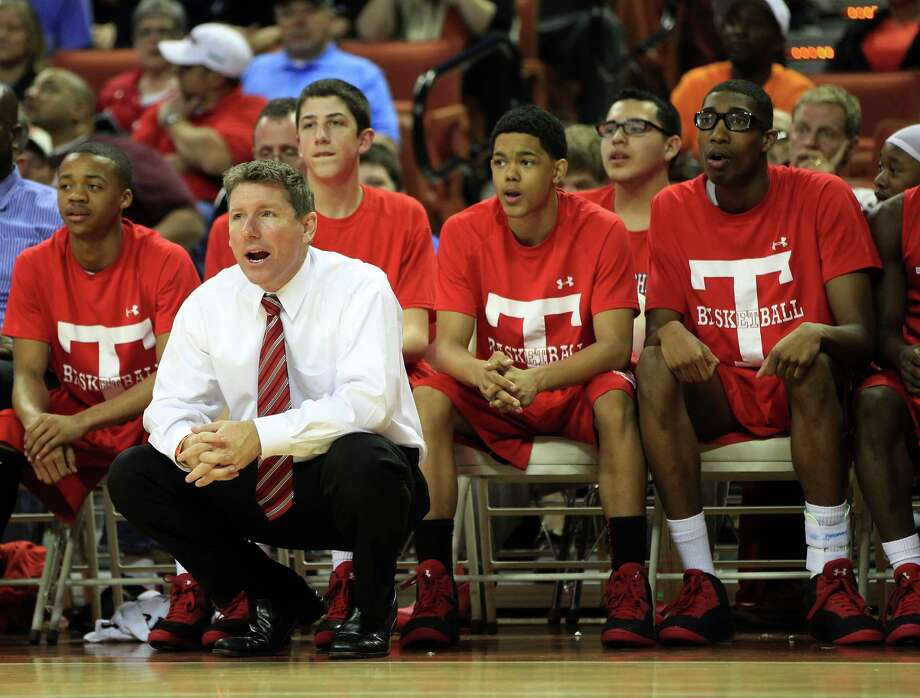 Craig Brownson coached his Travis team to a major win on Saturday night, just a few days after he suffered a huge personal loss. Photo: Karen Warren, Houston Chronicle / © 2013 Houston Chronicle