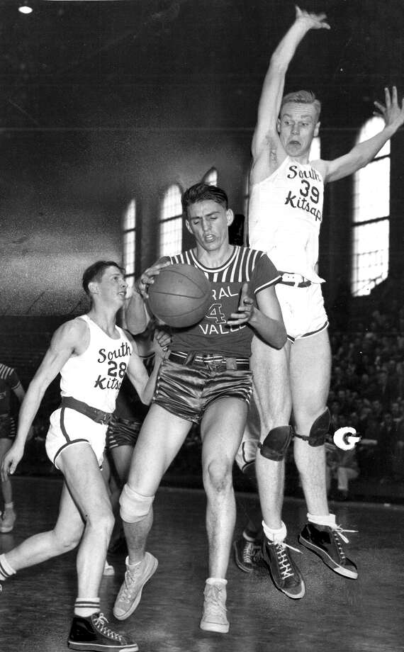 This March 1948 state tournament basketball photo shows South Kitsap and Central Valley at Hec Edmundson Pavilion, but the players aren't identified. Photo: Seattlepi.com File
