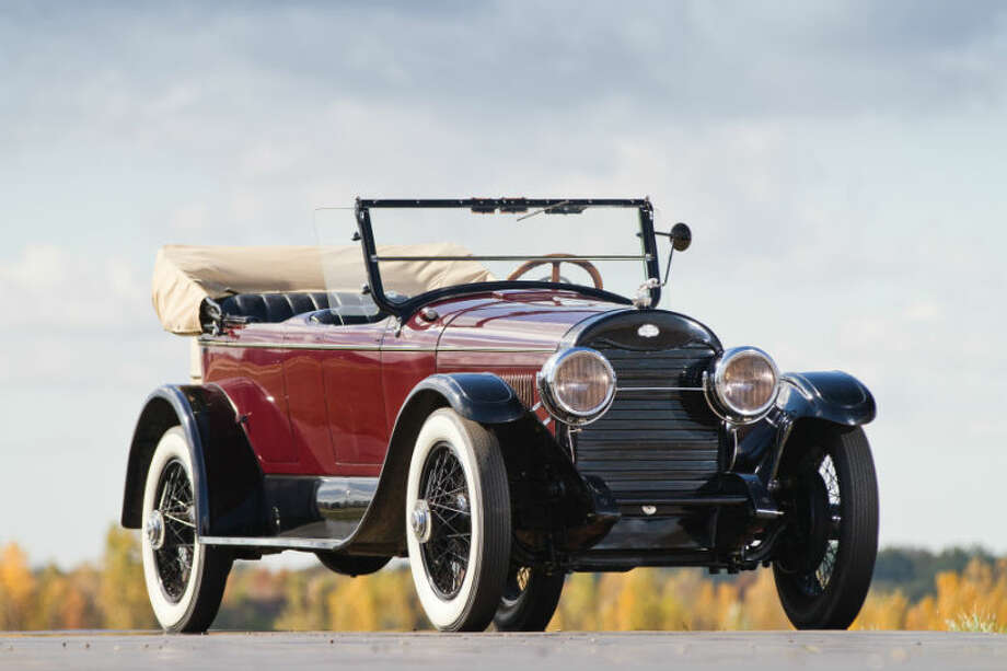 A 1923 Lincoln Model L-Sport sold for $143,000. Photo: Teddy Pieper/RM Auctions Photo: Courtesy Of RM Auctions