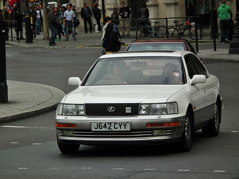 """1990 Lexus LS400Page 202: """"If the windshield washer does not work, the washer tank may be empty. Add washer fluid.""""(Photo: Kenjonbro, Flickr)Source: Popular Mechanics"""