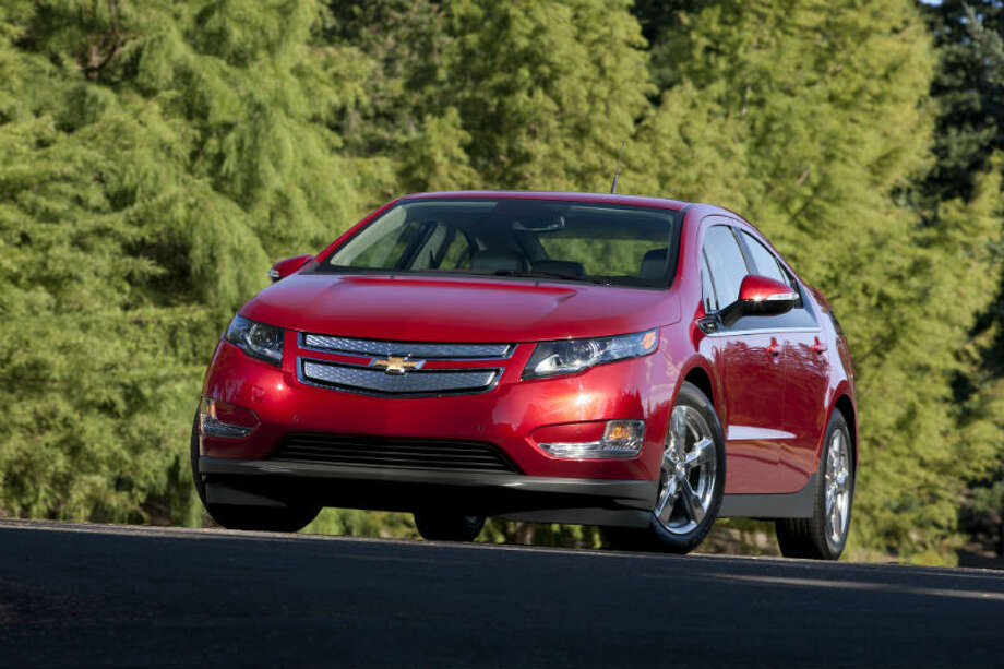 "2013 Chevrolet VoltPage 9-19: ""It can be dangerous to leave the vehicle with the propulsion system running. It could overheat and catch fire. It is dangerous to get out of the vehicle if the shift lever is not fully in P (Park) with the parking brake firmly set. The vehicle can roll. Do not leave the vehicle when the propulsion system is running. If you have left the propulsion system running, the vehicle can move suddenly. You or others could be injured. To be sure the vehicle will not move, even when you are on fairly level ground, always set the parking brake and move the shift lever to P (Park). See Shifting Into Park on page 9-19.""Source: Popular Mechanics Photo: Chevrolet"