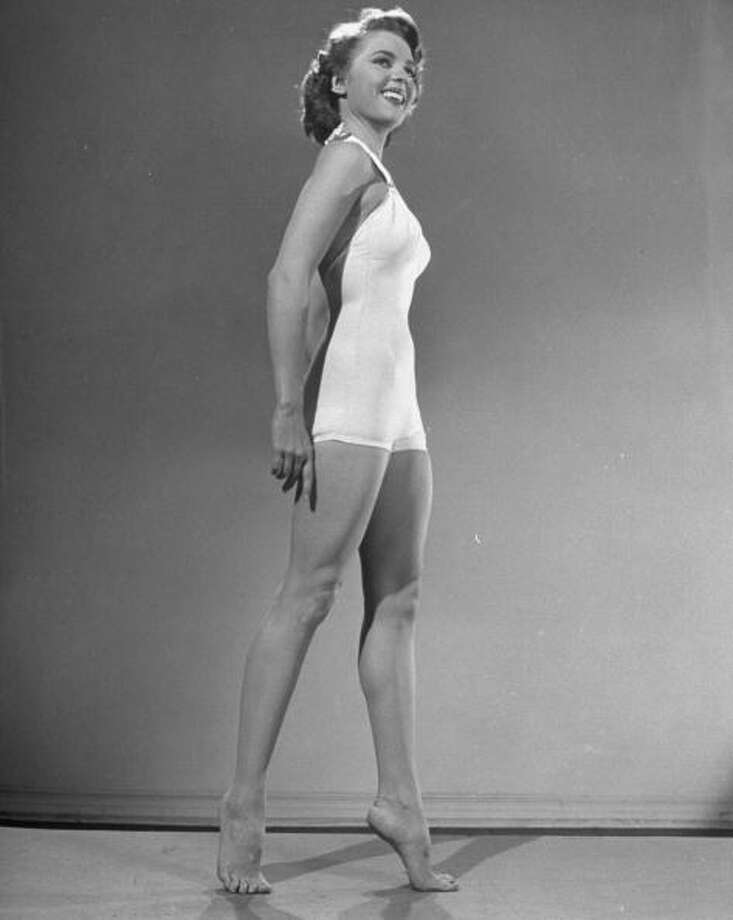 1950: Actress Peggy Castle, modeling a swimsuit. Photo: Ed Clark, Getty / Time Life Pictures