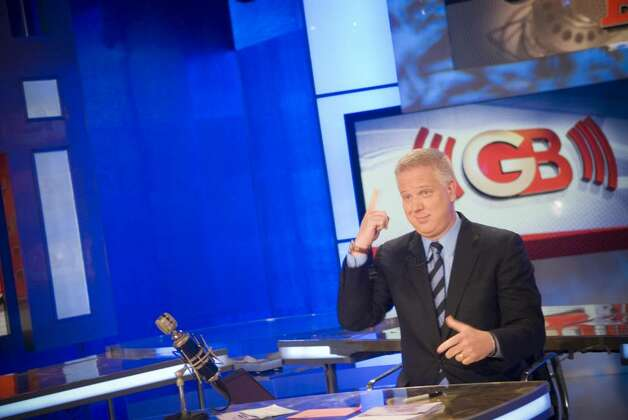 New Canaan resident Glenn Beck tapes his show at Fox News in the News Corp. building in New York, N.Y. on Friday, Jan. 23, 2009. Photo: Chris Preovolos / Stamford Advocate