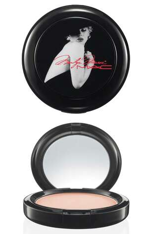 Marilyn MAC beauty powder