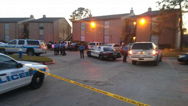 The victim and another person died after gunfire rang out Tuesday evening in the 5300 block of West Gulf Bank near Antoine. (Mike Glenn/Chronicle)
