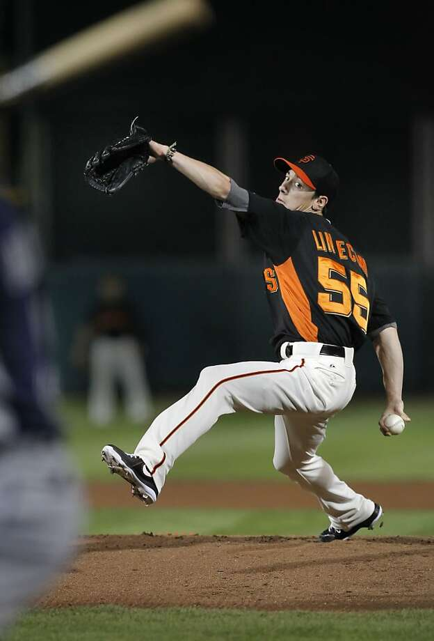 The Giants' Tim Lincecum made his first Cactus League appearance after his 13-day break to heal a blister. Photo: Michael Macor, The Chronicle